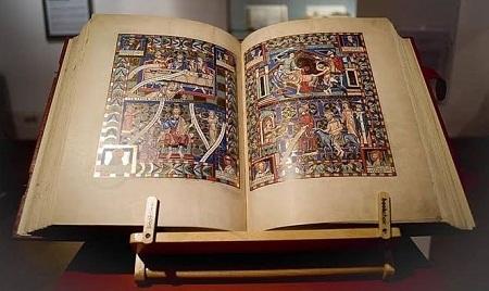 Hiện, cuốn sách chép tayLeicester được xem là cuốn sách đắt giá nhất mọi thời đại.
