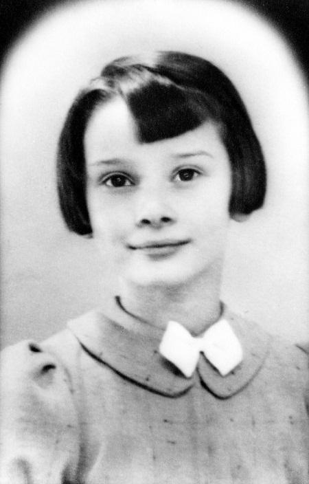 Audrey Hepburn năm 9 tuổi (1938).