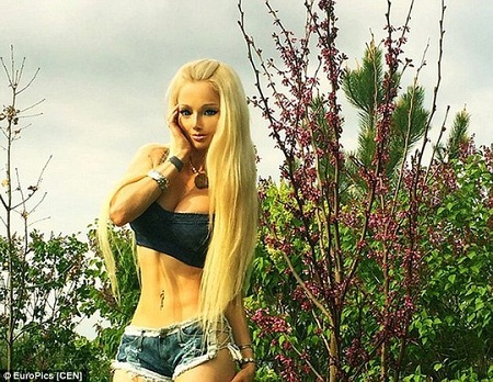 Valeria Lukyanova, 29 tuổi