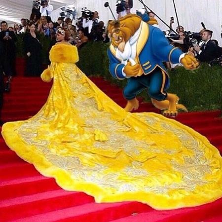 Rihanna khoác lên mình tấm thảm trải sàn trong cung điện của hoàng tử quái vật?