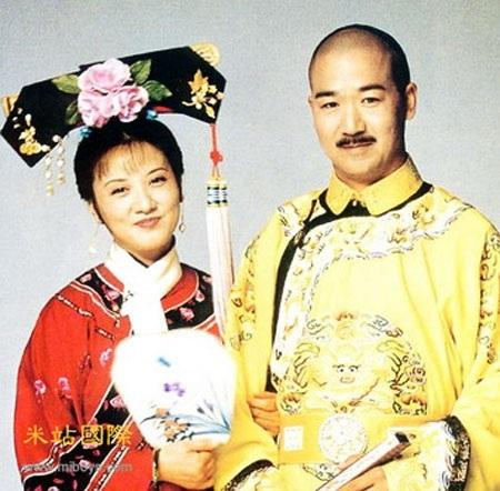 Đặng Tiệp và Trương Quốc Lập trong phim Tể tướng Lưu gù