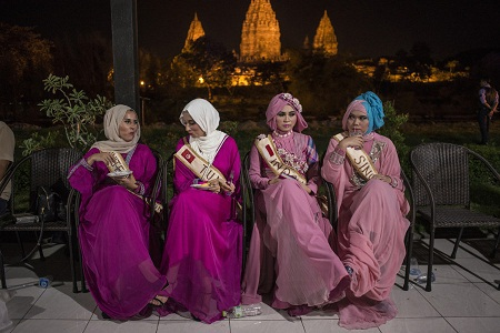 Những thí sinh của cuộc thi Hoa hậu Hồi giáo Thế giới trong giờ nghỉ
