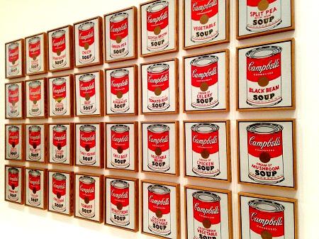 """Danh họa người Mỹ Andy Warhol và bức """"Những hộp súp Campbell"""" (1962)"""