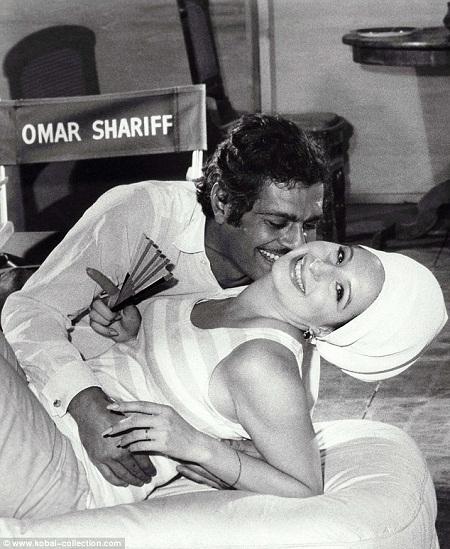 Sharif từng nổi tiếng đào hoa, đa tình, luôn qua lại, hẹn hò với các bạn diễn nữ.