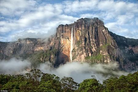 Tàn tích Machu Picchu đã truyền cảm hứng cho ngôi làng xinh đẹp của anh nông dân Pacha.