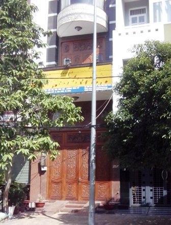 Trụ sở của Công ty Cộng Đồng Việt đóng cửa sau khi bị công an sờ gáy