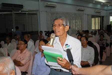 Cử tri Trần Văn Lài bày tỏ vui mừng sau kỳ họp Quốc hội