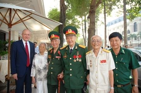 Những người từng một thời hoạt động tình báo cùng mạng lưới với Phạm Xuân Ẩn