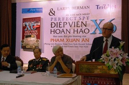 Giáo sư Larry Berman kể về Phạm Xuân Ẩn trong buổi ra mắt sách