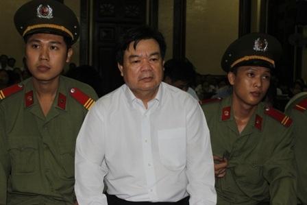 Nguyên chủ tịch UBND huyện Hóc Môn, conát chủ bài của vụ án tham nhũng đất đai này