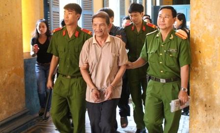 Ở tuổi gần đất xa trời, Minh phải vào tù vì sự nóng giận, sân si