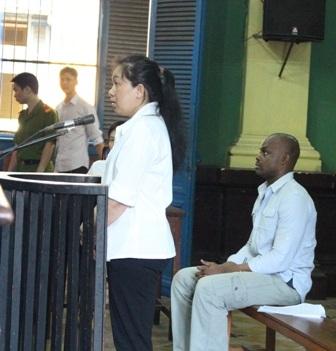 Cô gái Việt dính vòng lao lý vì tin trai ngoại