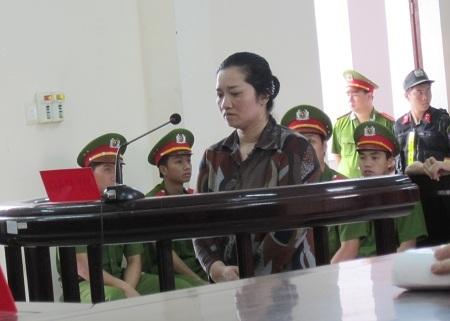 Lê Thị Hường nghe tuyên án
