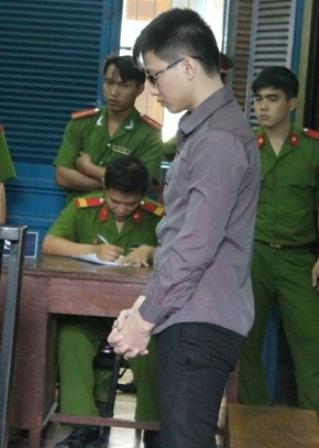 Phạm Văn Phú tại tòa