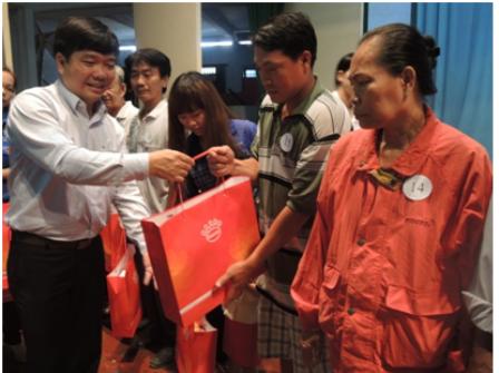 18.500 người nghèo và cận nghèo được tặng thẻ bảo hiểm y tế
