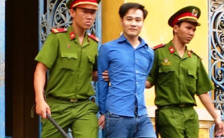 Dù bị tuyên tử hình, Đạt vẫn cười tươi