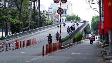 Cầu vượt Nguyễn Tri Phương (Q.5)