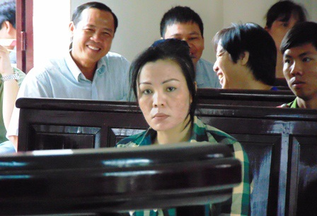 Siêu lừa Trần Thị Doan tại tòa