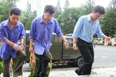 Tại tòa các bị cáo phản bác cáo trạng nhưng HĐXX nhận định đủ cơ sở buộc tội