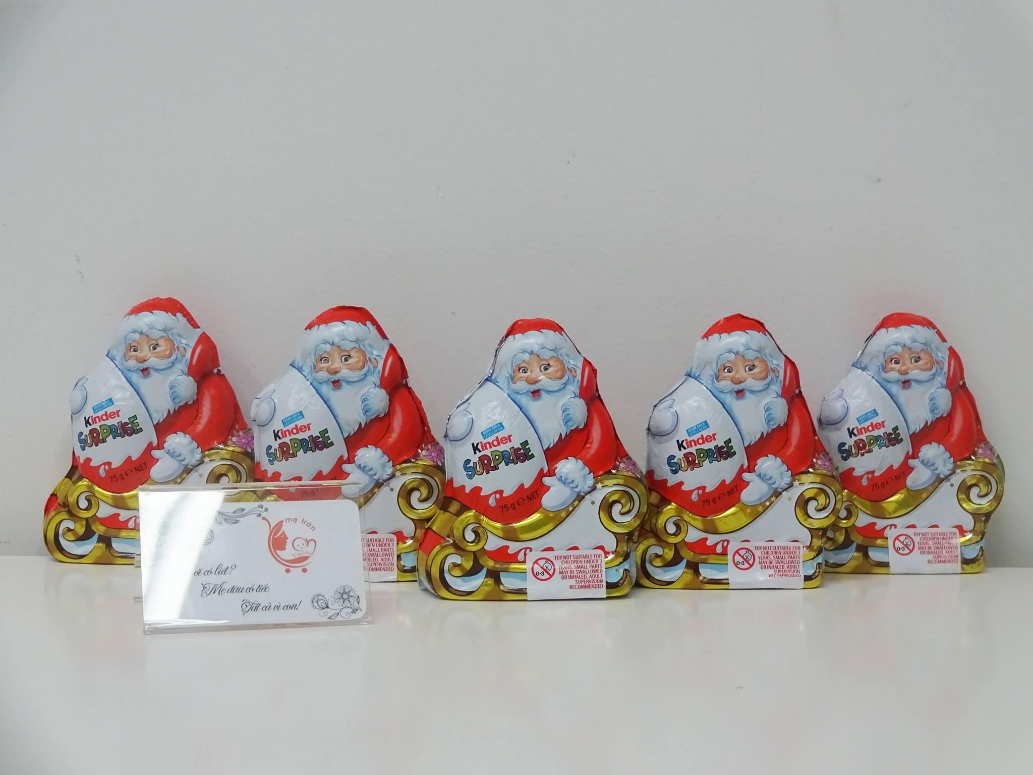 Phần kẹo ông già noel của hãng Kinder nổi tiếng với giá 130 ngàn