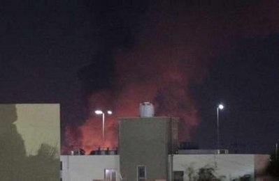 6 vụ nổ lớn rung chuyển Tripoli - 1