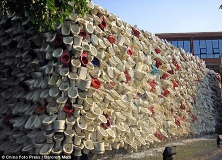 Ngắm Vạn lý tường thành bằng toilet độc đáo - 1