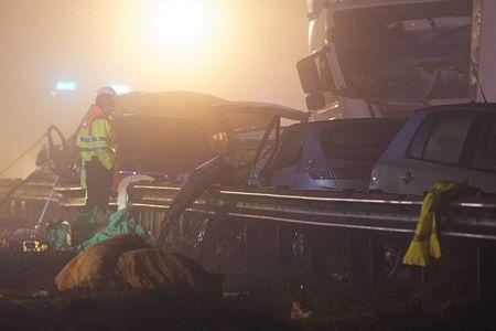 Cận cảnh tai nạn liên hoàn, 7 người chết, 51 người bị thương - 4