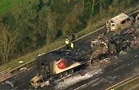 Cận cảnh tai nạn liên hoàn, 7 người chết, 51 người bị thương - 9