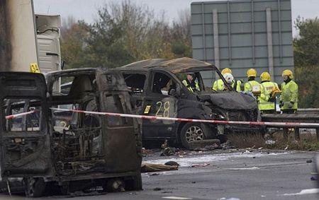 Cận cảnh tai nạn liên hoàn, 7 người chết, 51 người bị thương - 11