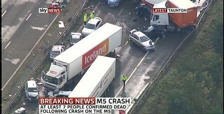 Cận cảnh tai nạn liên hoàn, 7 người chết, 51 người bị thương - 2