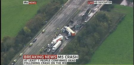 Cận cảnh tai nạn liên hoàn, 7 người chết, 51 người bị thương - 1