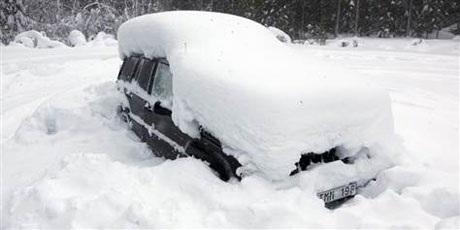 Sống sót kỳ diệu sau 2 tháng bị mắc kẹt do tuyết - 1