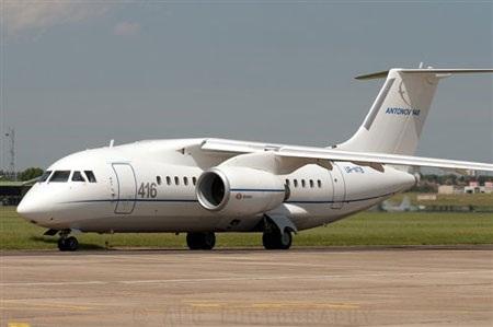 Máy bay chở khách Nga bị rơi bánh khi cất cánh - 1