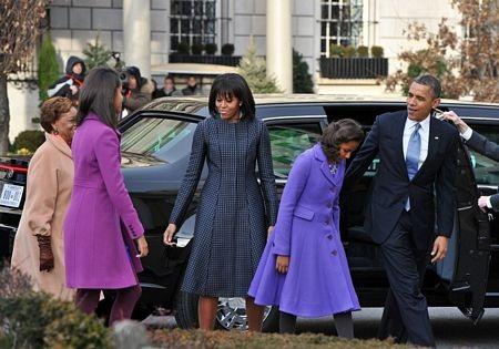 Gia đình ông Obama bắt đầu ngày 21/1 với việc đi lễ nhà thờ St.John ở Washington.