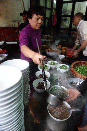 Báo Tây khen phở Việt