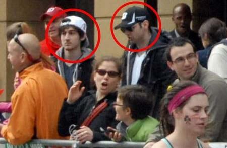 Anh em nhà Tsarnaev xuất hiện gần hiện trường vụ đánh bom cuộc đua marathon tại Boston hôm 15/4.