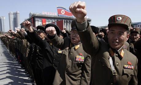 Các binh sĩ Triều Tiên mít-tinh ủng hộ kêu gọi chống Mỹ của nhà lãnh đạo Kim Jong-un.