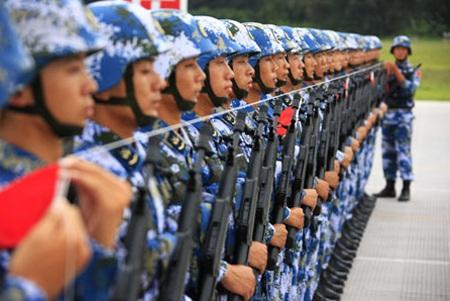 Các binh sĩ Trung Quốc luyện tập cho một lễ diễu hành. (Ảnh minh hoạ)