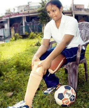 Arunima Sinha đã làm được điều phi thường dù mất một chân.