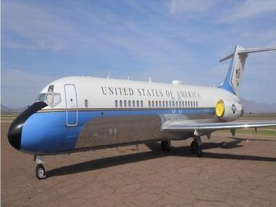 Chiếc máy bay DC-9 được rao bán.