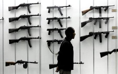 Các loại súng được trưng bày tại một bảo tàng ở Berlin, Đức.