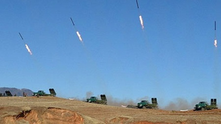 Triều Tiên bắn tên lửa trong một cuộc tập trận. (Ảnh minh họa)