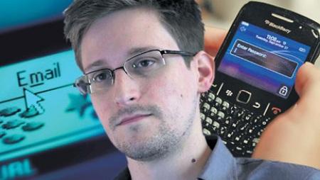 Edward Snowden, người đã tiết lộ các chương trình theo dõi điện thoại và internet của chính phủ Mỹ.