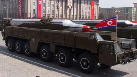 Tên lửa Musudan trong cuộc duyệt binh năm 2010.