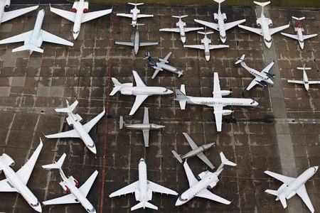 Các máy bay tham gia triển lãm hàng không Paris tại sân bay Le Bourget.