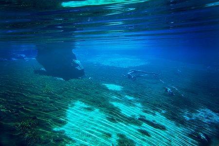 Hồ Blue tọa lạc trên đảo Nam của New Zealand.