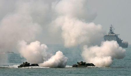 Quân đội Nhật tập trận đổ bộ với lực lượng thủy quân lục chiến Mỹ