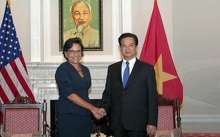 Thủ tướng Nguyễn Tấn Dũng và Bộ trưởng Thương mại Hoa Kỳ Penny Pritzker. Ảnh: VGP/Nhật Bắc