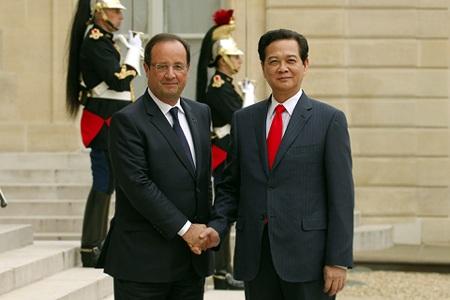 Thủ tướng Nguyễn Tấn Dũng và Tổng thống Pháp Francois Hollande. Ảnh: VGP/Nhật Bắc