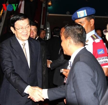 Chủ tịch nước Trương Tấn Sang tới Indonesia